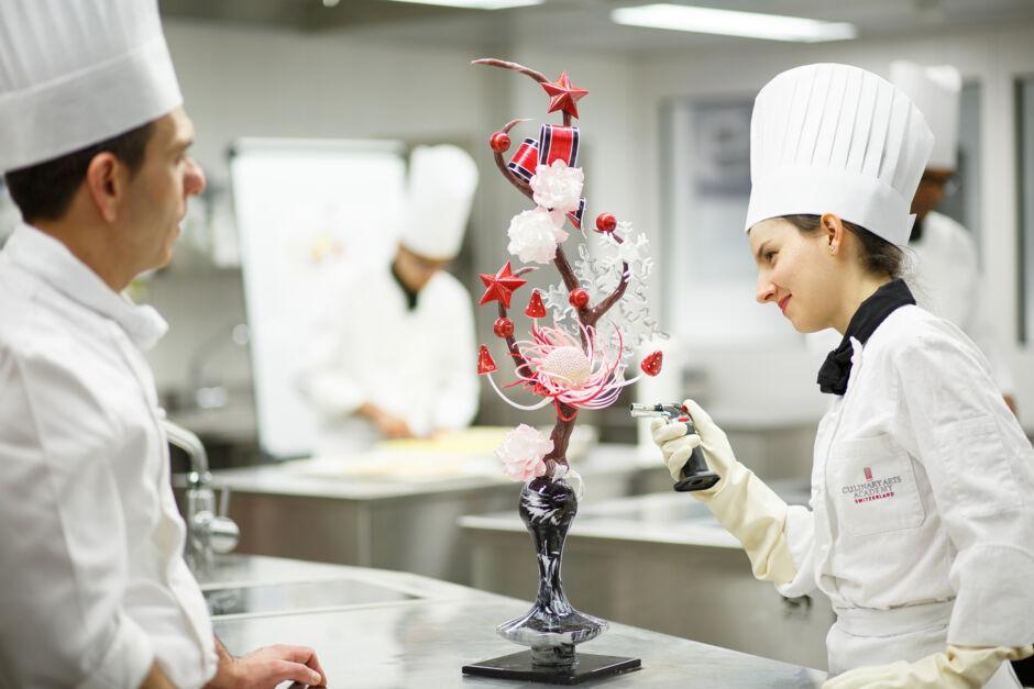 "Studer ""Konditori og chokoladekunst"" ved Culinary Arts Academy Switzerland"