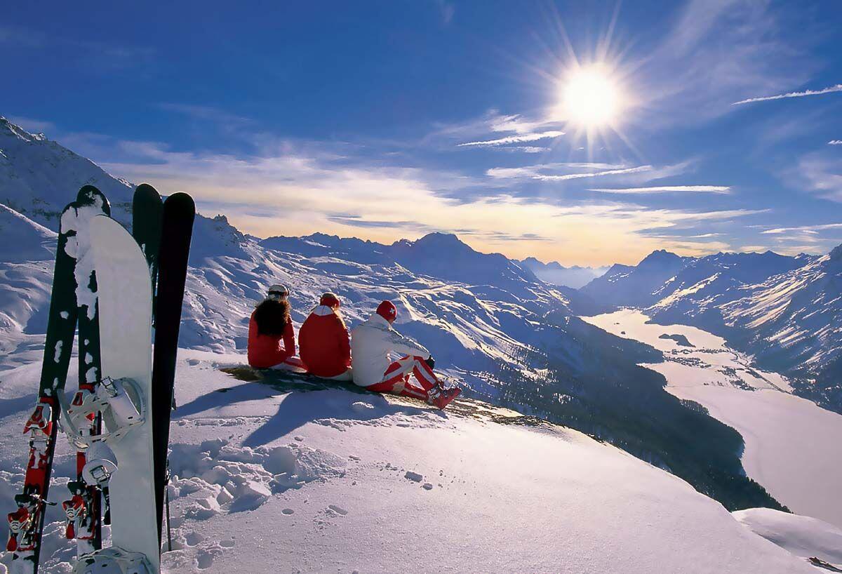 SEG skiing resting mountains